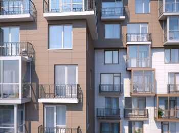 Французские балконы и широкоформатные окна в квартирах